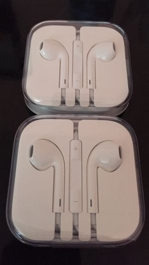 Brand New Original Apple Ear Buds For Iphone 6 And Up