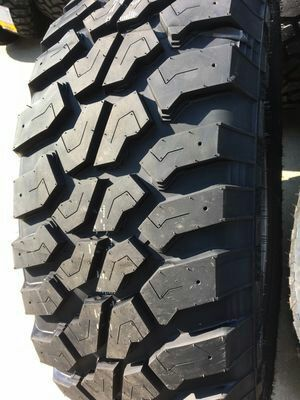 1 set of 4 rims and tires m outoutud terrain brand invovic olmost new only 1 month of use good for chevrolet silverado sise 265 70 17s.