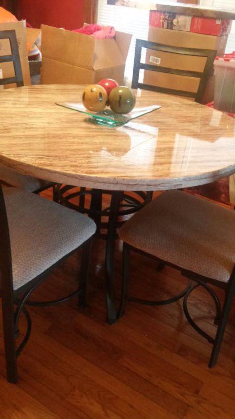 Juego de comedor furniture in chicago il offerup for Furniture 60618