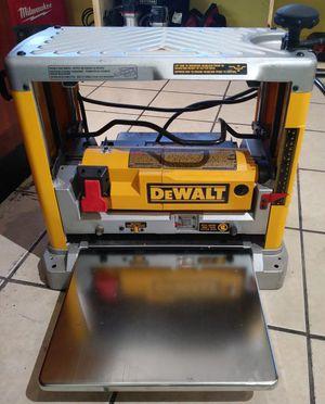 """Dewalt DW734 Thickness (12-1/2"""") Three Knife Head Wood Planer l"""