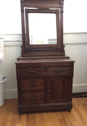 Antique wash stand good condition