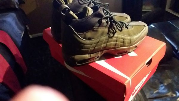 OLIVE AIR MAX SNEAKER BOOTS SIZE 12 NEVER WORN paid 200 (Clothing   Shoes)  in Louisville 0b7997d3d