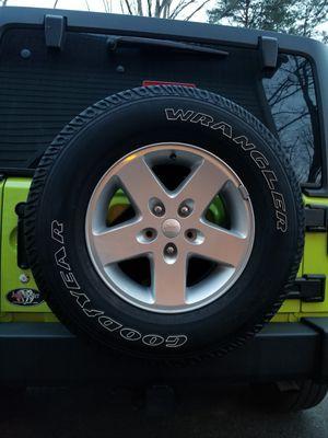 5 Original Factory Goodyear Wrangler Tires & Jeep Wheels