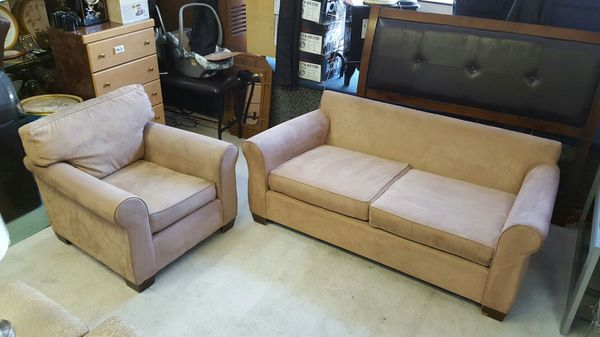 Tan 2 piece living room furniture furniture in chicago for Furniture 60614
