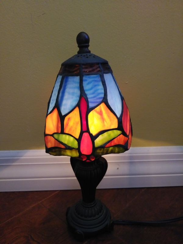 Tiffany style small dragonflies table desk accent lamp beautiful 11