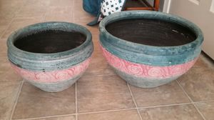 2 BEAUTIFUL GARDEN FLOWERS POTS ORIGINAL, NOT PLASTIC