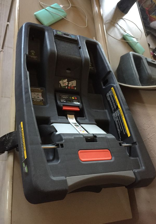 GB car seat base (Baby & Kids) in Tempe, AZ - OfferUp