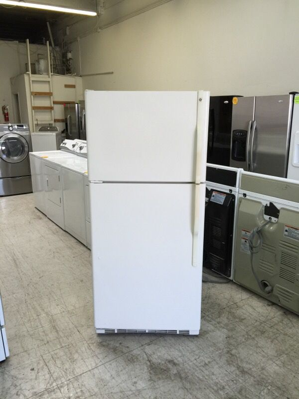 GE Refrigerator 18 cu ft Top Freezer (Apartment size) ( Appliances ...