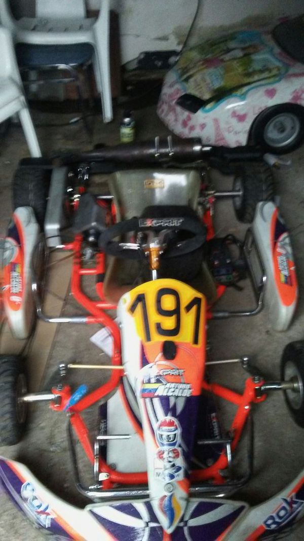 Racing Go kart seat is for kids iam up to trade (Sports & Outdoors ...