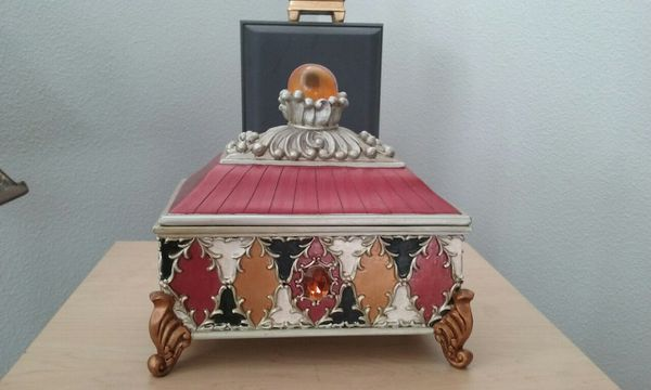 Decor Box Furniture In Eugene Or Offerup