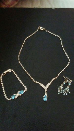 Beautiful Kay Collection Of Jeluia Ct Ocean Blue stone Matching Bracelet / Necklace / Earrings set.