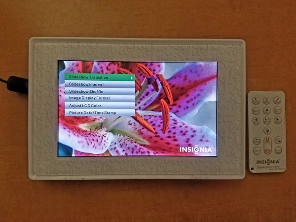 INSIGNIA DIGITAL PICTURE FRAME MODEL NS-DPF7WM-09 (Electronics) in ...