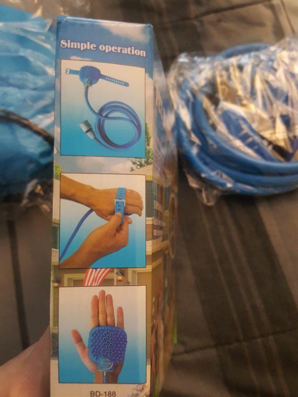 Pet bathing hand brush (Pet Supplies) in Evesham Township, NJ