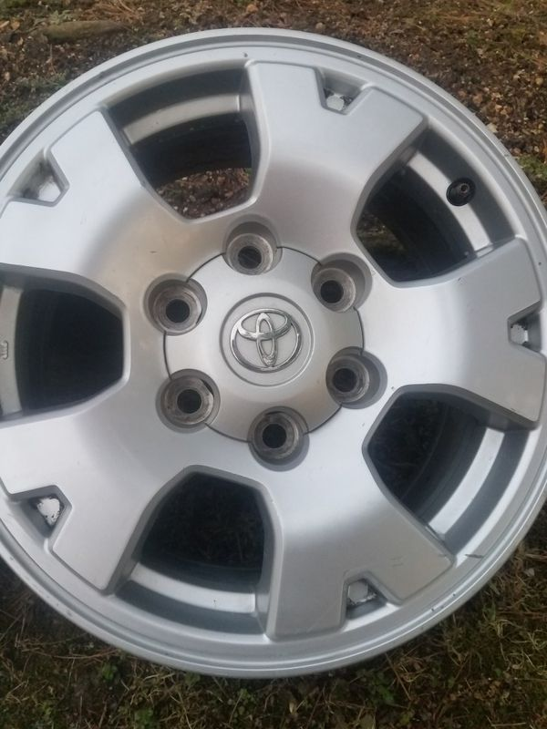 Toyota Tacoma 16in wheels genuine Toyota from the factory barley ...