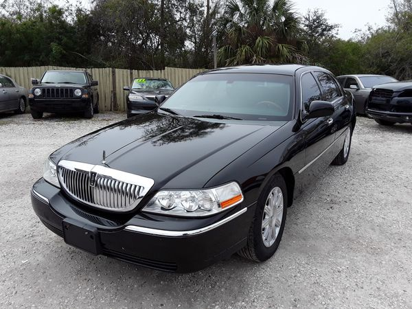 2011 Lincoln Town Car Limited Cars Trucks In Altamonte Springs