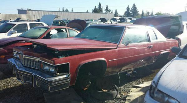 77/79 Cadillac Front Bumper Fillers (Auto Parts) in Glendale, CA