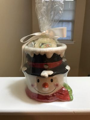 Yankee candle holder with candles