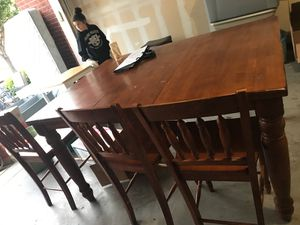 Dining Room Table And 4 Chairs Heavy Wood