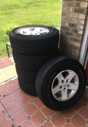 jeep wrangler set of wheels and tires 255/75r17