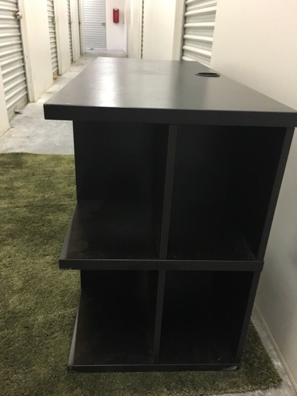 Hardly Used Black Wooden Desk With Shelves Furniture In Seattle Wa Offerup