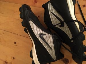 Black and white nike cleats 9.5 men's