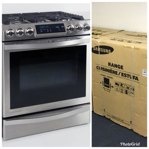 New Samsung Chef Collection Gas Stove - New in the Box
