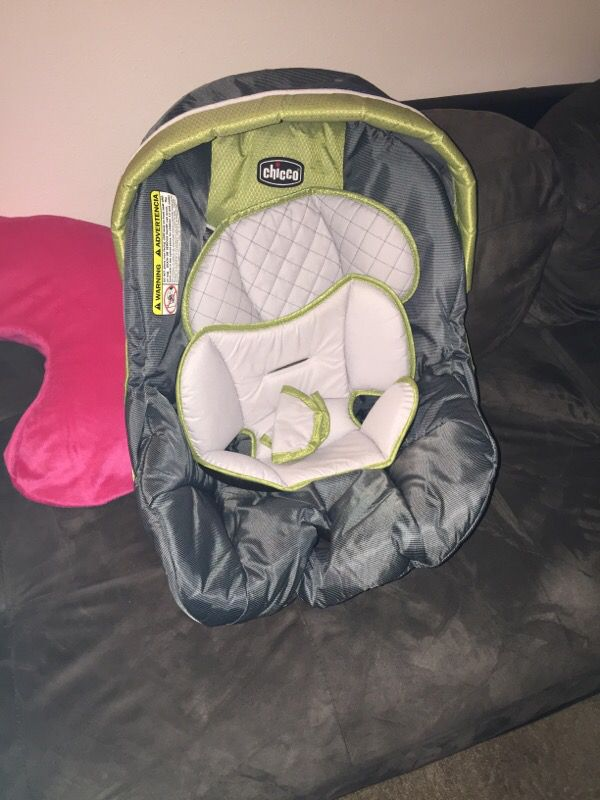 chicco car seat stroller two covers two bases baby kids in lake stevens wa offerup. Black Bedroom Furniture Sets. Home Design Ideas