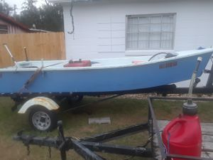 17ft 4hp motor and trolling motor boat has clean tittle