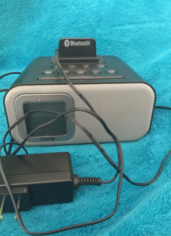 iHome Alarm Bluetooth Speaker (Audio Equipment) in Newark, CA