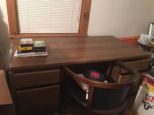 Large Desk/Chair