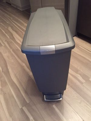 Simplehuman Slim Plastic 40-Liter Step-On Trash Can In Silver