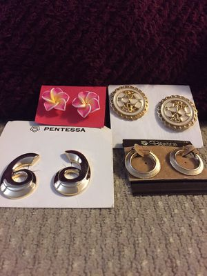 Brand new earrings very good condition