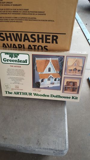 New Greenleaf The Arthur Wooden Dollhouse Kit