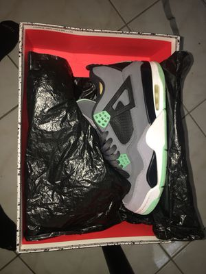 Jordan retro 4 || Green Glow || Size 9
