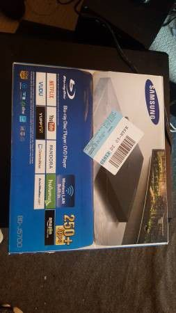 Brand New Samsung BD-J5700 Curved Blu-iray Player WiFi w/ HDMI Cable