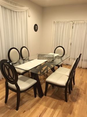 Dining table with 8 chairs!