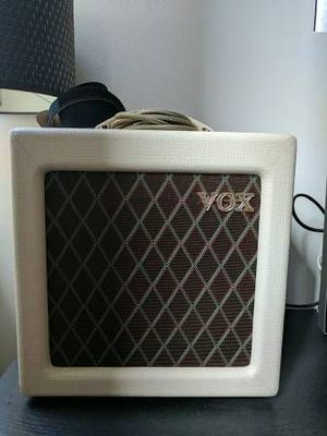 """Vox AC4TV All-tube Amplifier + VX10 Celestion 10"""" speaker"""