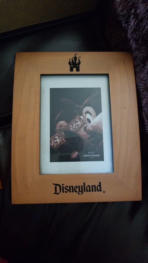 Disney 5x7 picture frame (Photography) in Menifee, CA - OfferUp
