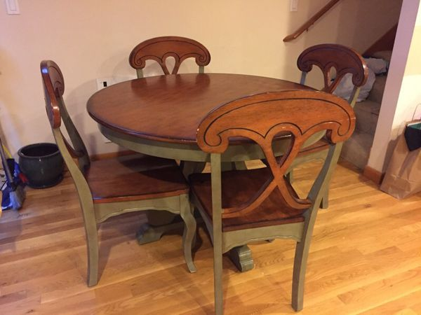 Dining table 4 chairs pier one furniture in seattle for Furniture movers seattle