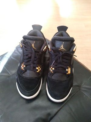 Royalty 4's ** 9/10 Condition ** SIZE 4