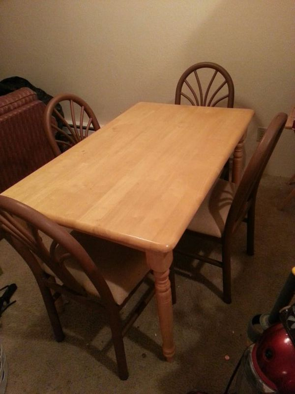 Table set furniture in everett wa offerup for Furniture in everett
