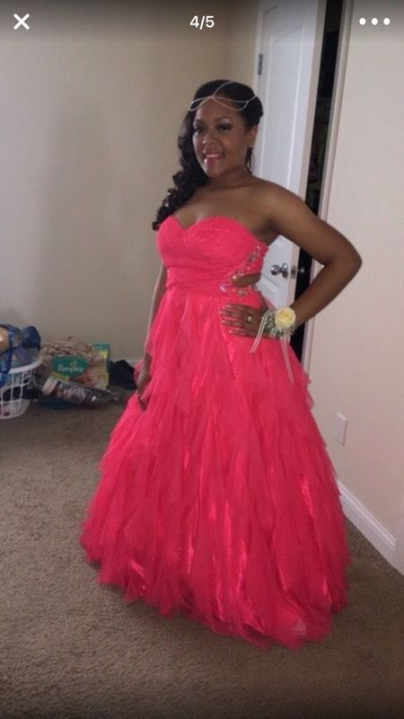 Prom dress (Clothing & Shoes) in Indianapolis, IN - OfferUp