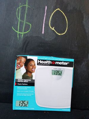 Weight loss tracking scale