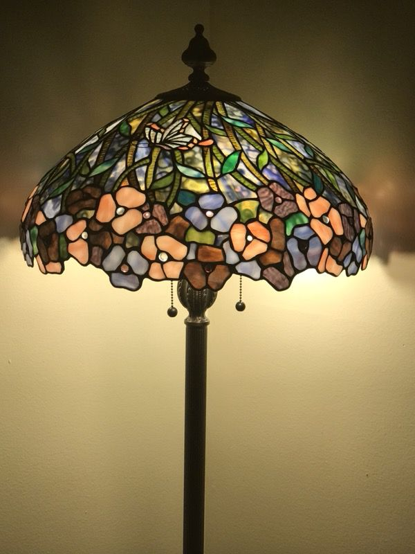 Beautiful Tiffany Floor Lamp. Gorgeous Design/ Multicolor
