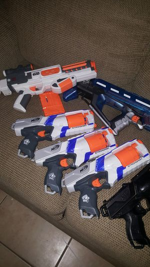 Big lot of Nerf guns! Ammo, revolvers.