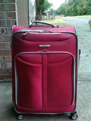 Olympia Red Softside Rolling Suitcase