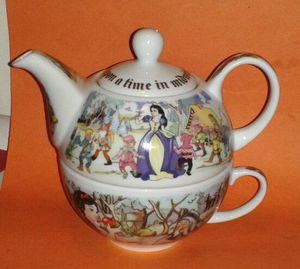 Cardew SNOW WHITE Teapot and Cup Set